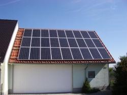 Garagendachanlage 5 kWp; Montage auf Harzer Big Pfannendach mit Metalldachplatten