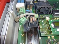 Überspannungsschaden in einem Wechselrichter